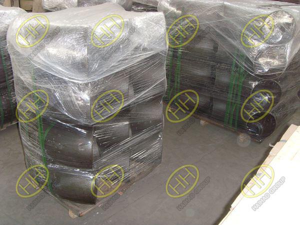 Quais são as formas de embalagem de cotovelo de aço carbono?