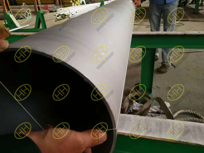 Straightness test of S31803 seamless pipe